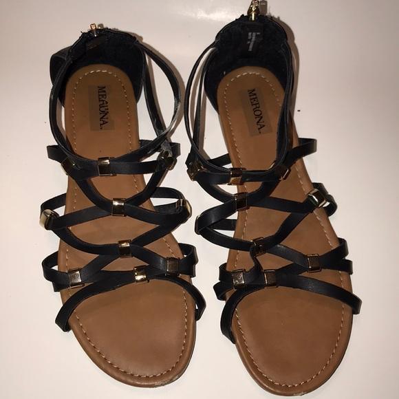c0b0791991c095 Merona Women s sandals size 8.5 color black gold